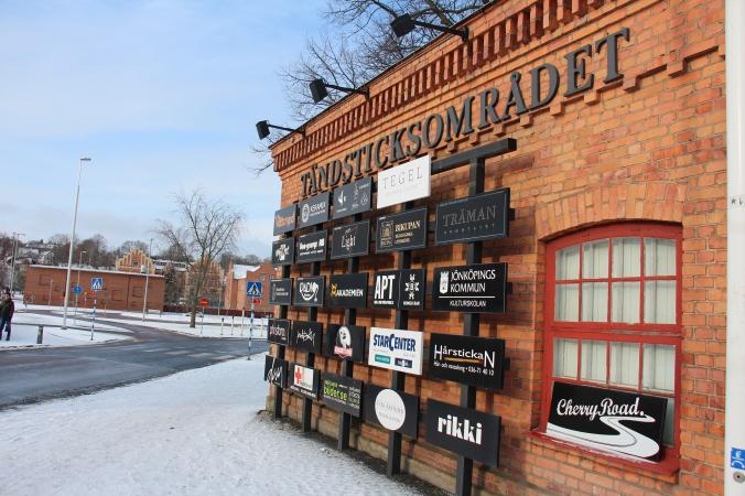 Diese Einrichtungen finden sich im Tandsticksområdet - darunter ist auch der Studentenclub Akademien (kurz: Aka).